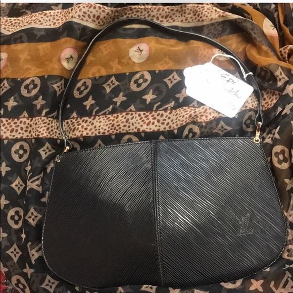 Louis Vuitton Handbags - Authentic vintage LouisVuitton EPI clutch handbag